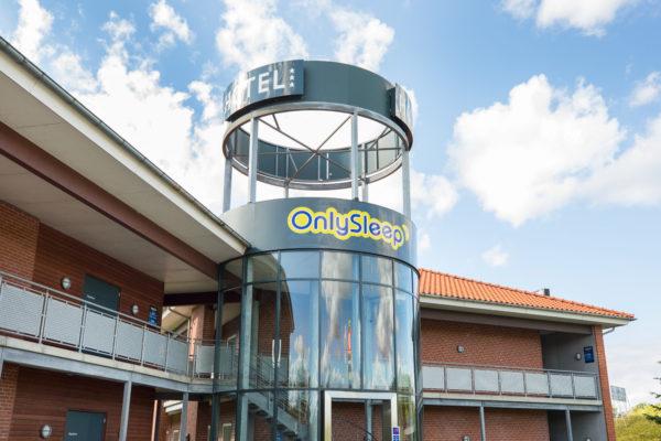 Hotel Only Sleep Slagelse, facade, glas facade, logo